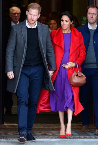 Фото №8 - 10 впечатляющих платьев в фиолетовой гамме, как у герцогини Меган