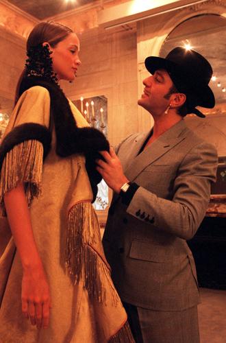 Фото №6 - 14 культовых показов за всю историю Недели Моды в Париже