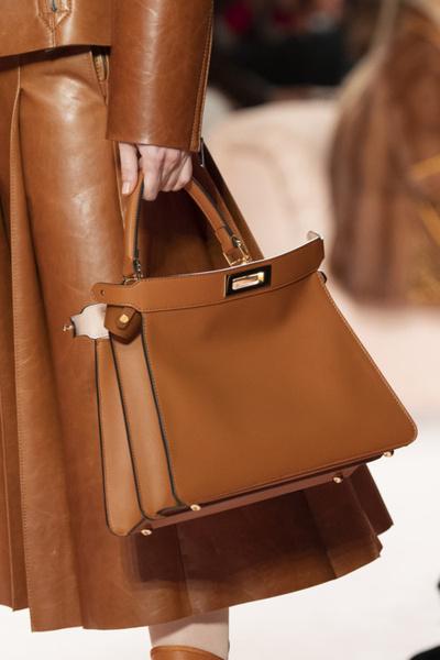 Фото №2 - 5 модных сумок нового сезона, о которых мы мечтаем