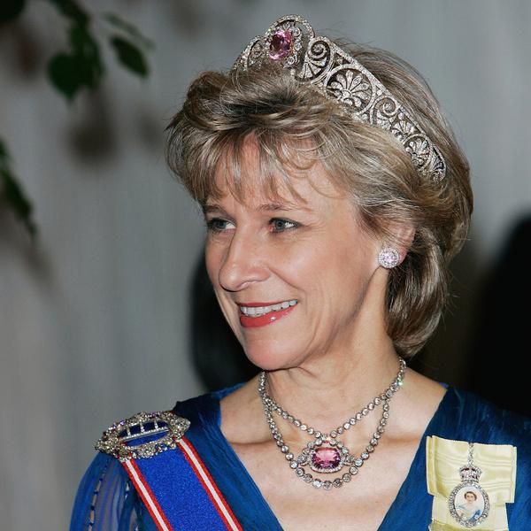 Фото №10 - От герцогини Кейт до кронпринцессы Мэри: как королевские особы носят топазы