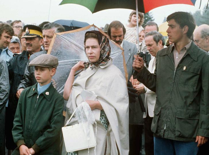 Фото №6 - Чужие люди: почему у Королевы не сложились отношения ни с кем из ее детей