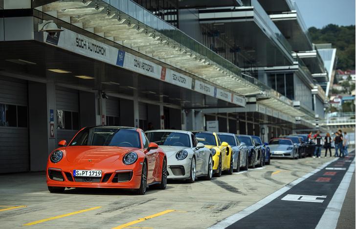 Фото №9 - Вирус Porsche: как прокатиться на всех моделях автомобильного бренда за один день