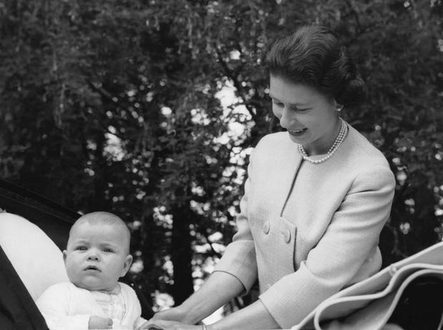 Фото №10 - Какой матерью Елизавета II была для своих детей