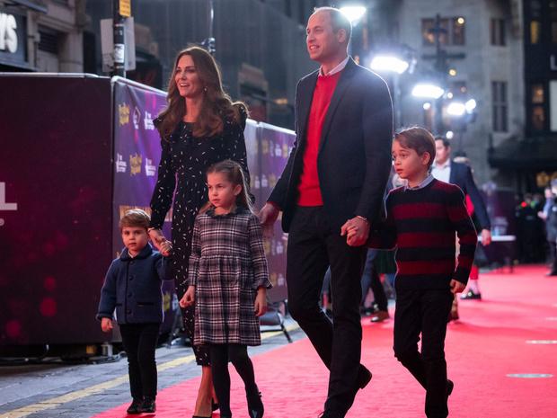 Фото №2 - Королевские разногласия: почему Чарльзу и Камилле не нравится, как Кейт воспитывает детей