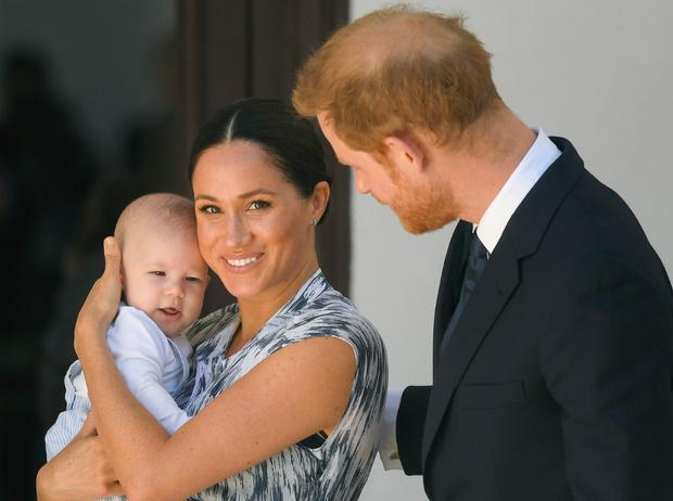 Фото №1 - Герцогиня Меган тайно вывезла сына Арчи в Нью-Йорк