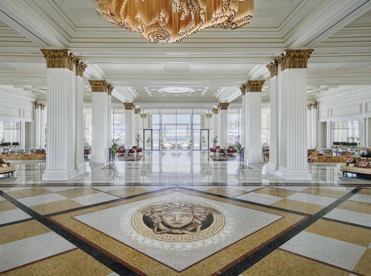 Фото №1 - Выиграйте путешествие на двоих в Palazzo Versace Dubai