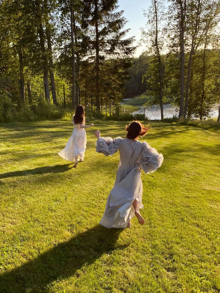 Фото №5 - Идеальные выходные на даче с сестрами Настей и Ариной Шевцовыми