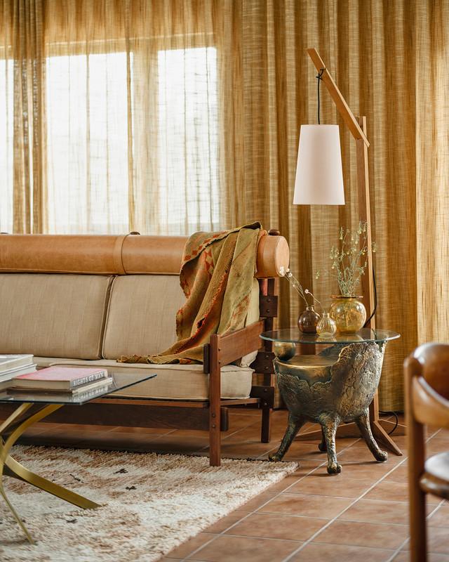 Фото №3 - Настенная роспись и авторская мебель в доме художника в Калифорнии