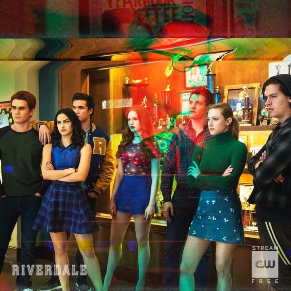 Фото №1 - Фанатская теория: в пятом сезоне «Ривердейла» герои станут учителями 🤓