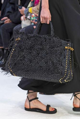 Фото №33 - Самые модные сумки весны и лета 2020