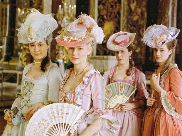Фото №7 - Самые жестокие модные тренды в истории