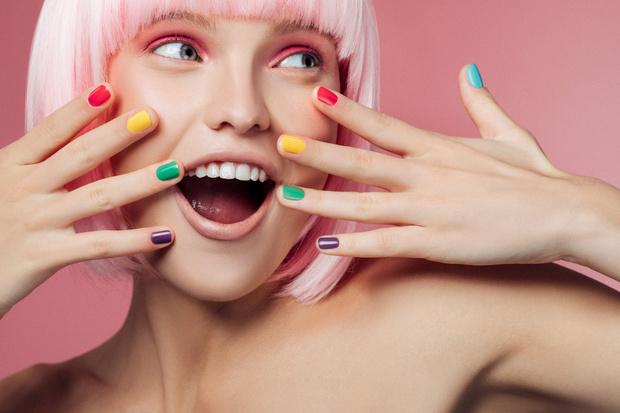 Фото №1 - Новый тренд: почему все выбирают нетоксичный лак для ногтей