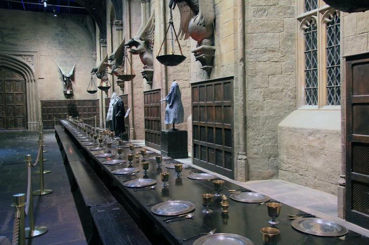 Фото №1 - На съемочной площадке «Гарри Поттера» пройдет рождественский ужин