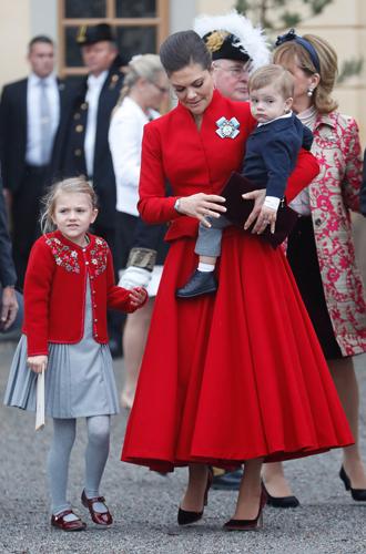 Фото №43 - Принц Оскар: два года в фотографиях