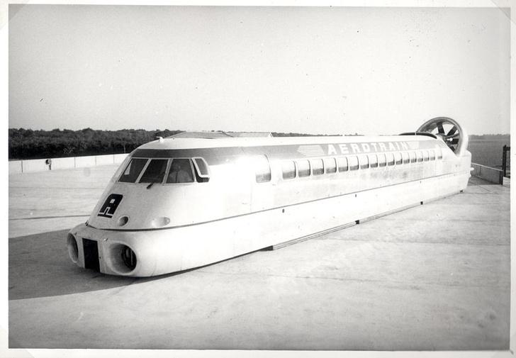 Фото №5 - Просьба выйти из вагона: 6 транспортных проектов, которые так и не изменили мир