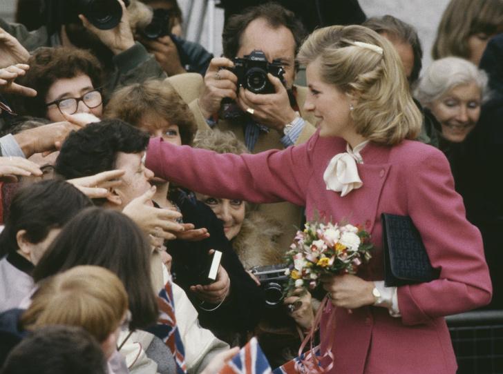 Фото №7 - Стрижка раздора: как принцесса Диана «украла шоу» у Королевы