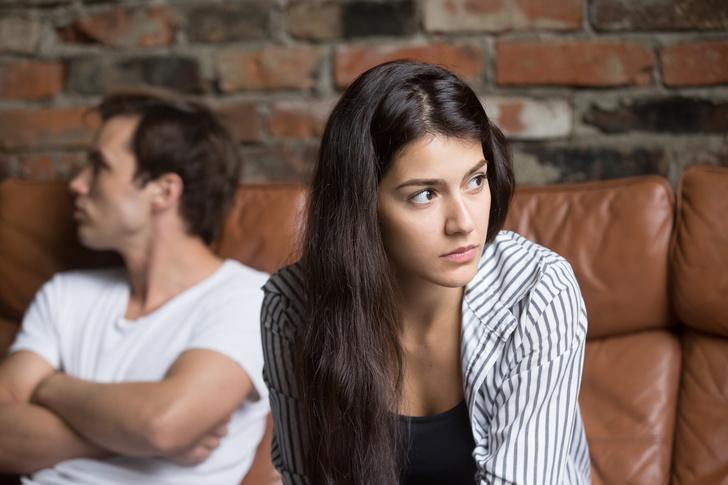 Фото №1 - Тревожные звоночки, которые нельзя недооценивать в отношениях