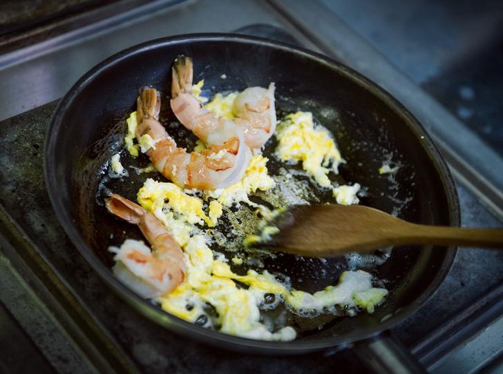 Фото №4 - Рецепт недели: рисовая тайская лапша с креветками