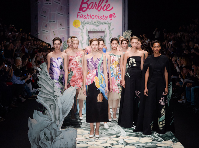 Фото №1 - MBFW Russia: Alena Akhmadullina for Barbie, Viva Vox, Laroom, Pirosmani by Jenya Malygina