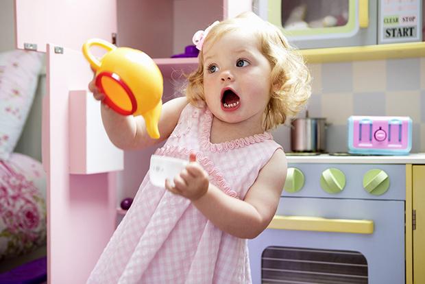 Фото №1 - Чай, кофе и какао: когда малышу можно их пить?