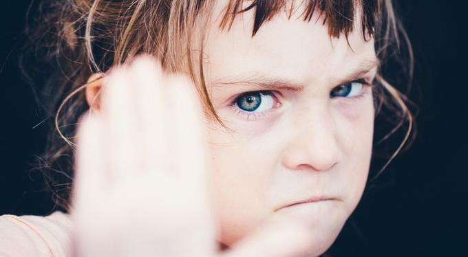 Как говорить с ребенком об опасных людях