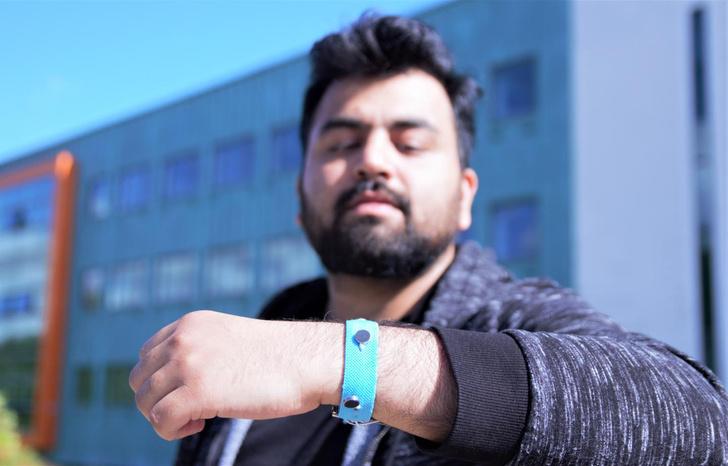 Фото №1 - Ученые создали браслет, который помогает контролировать свои эмоции