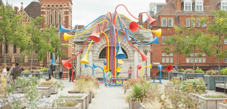Фото №1 - Красочная звуковая инсталляция в Лондоне