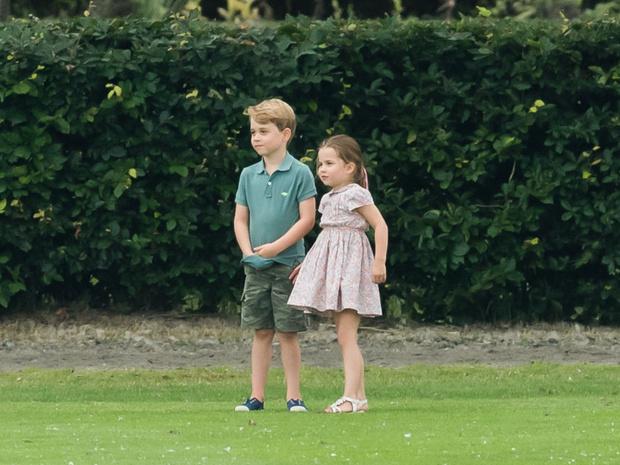 Фото №4 - Самая «взрослая» и забавная привычка принцессы Шарлотты