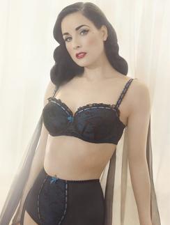 8328c0a59573 Красивое женское белье от королевы бурлеска — www.wday.ru