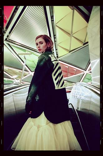 Фото №4 - Певица Луна – в урбанистической съемке для универмага «Цветной»