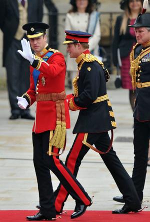Фото №2 - Какую традицию Уильям нарушил в день свадьбы с Кейт (и при чем здесь Гарри)