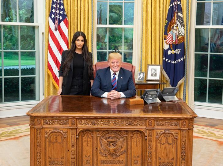 Фото №1 - О чем Ким Кардашьян просила Трампа на встрече в Белом доме