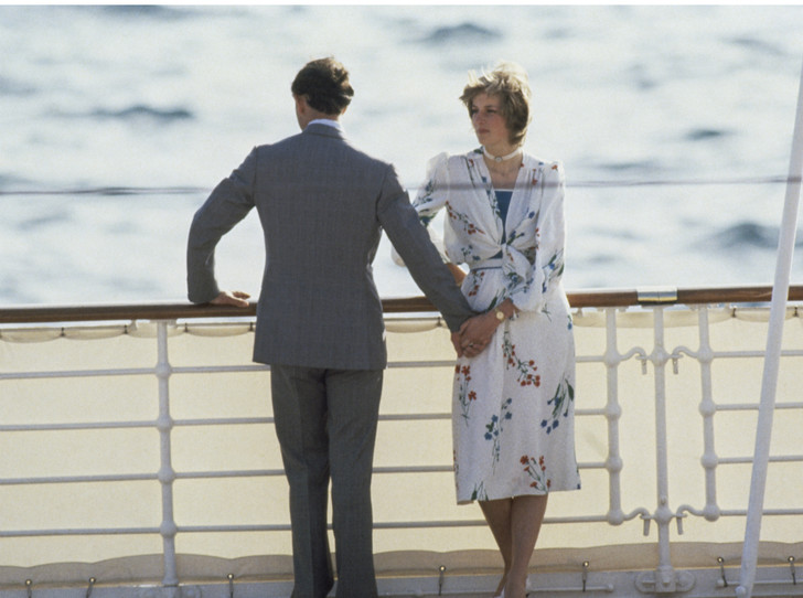 Фото №3 - Третий лишний: как Камилла «присутствовала» на помолвке Чарльза и Дианы