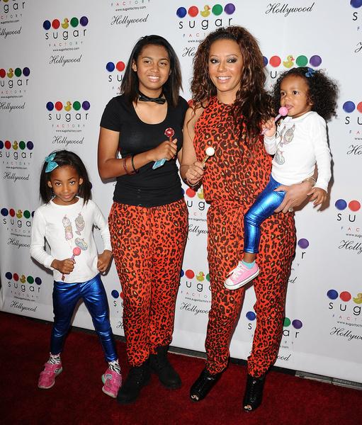 С дочками в 2013 году