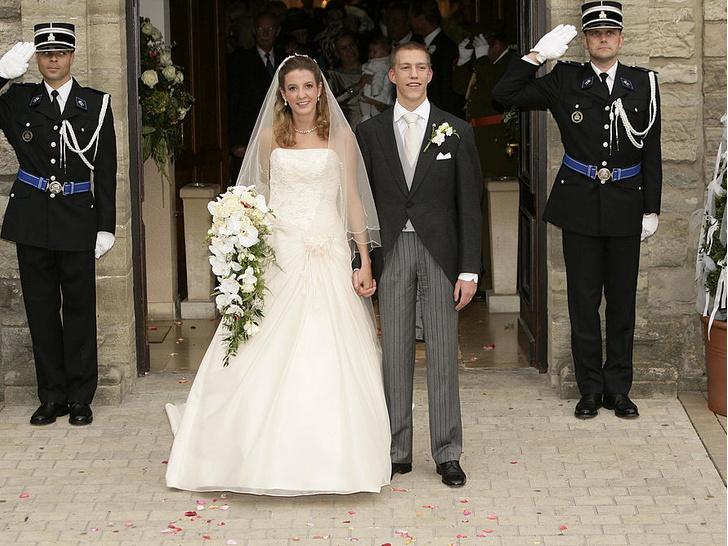 Фото №2 - Скромное платье, беременная невеста: как прошла свадьба бывшей принцессы Люксембурга