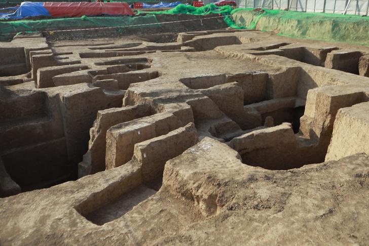 Фото №1 - В Китае обнаружено более 3500 древних гробниц