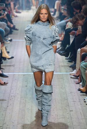 Фото №11 - Привет из 80-х: как носить вареный деним сегодня