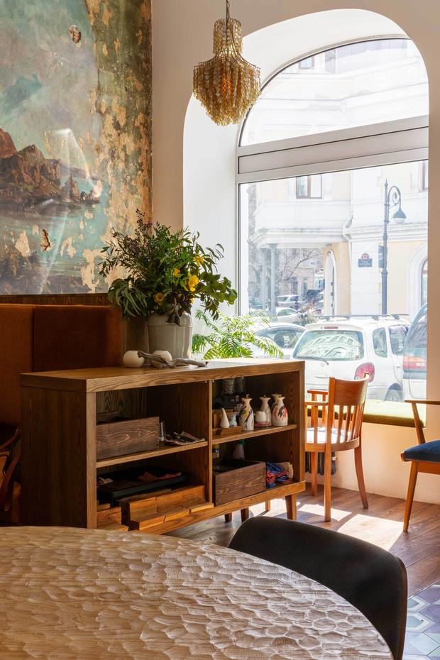 Фото №9 - Ресторан «Цех» с фресками советской эпохи во Владивостоке