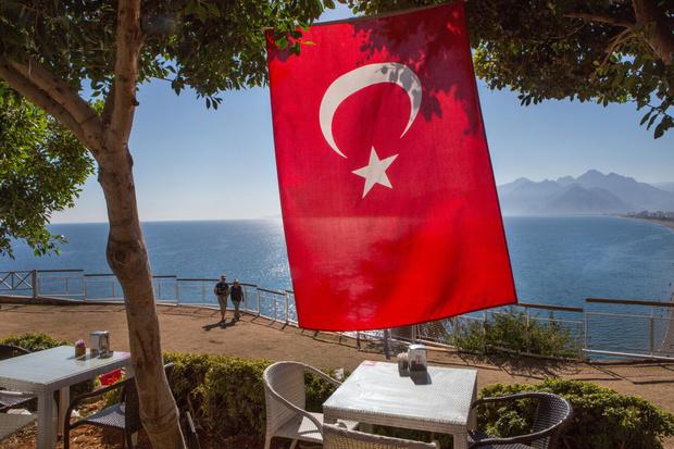 Фото №2 - «Все скрывают, чтобы не отпугивать туристов»: россияне рассказали о росте числа заболевших коронавирусом в Турции