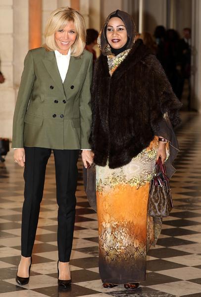 Фото №3 - Как выглядит Брижит Макрон на фоне других Первых леди