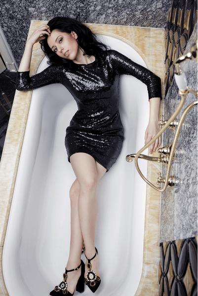Фото №14 - WOW! Катя Клэп снялась в образе Ким Кардашьян