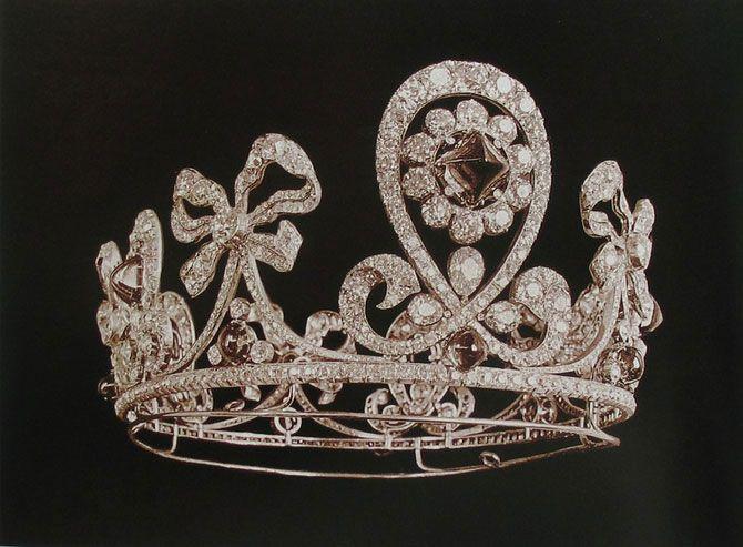 Фото №2 - Любимые ювелиры Романовых: самые роскошные украшения императорской семьи от Дома Болин