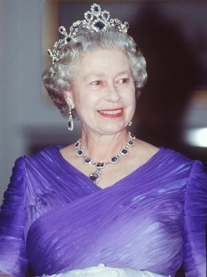 Фото №10 - Полный комплект: самые роскошные парюры британской королевской семьи