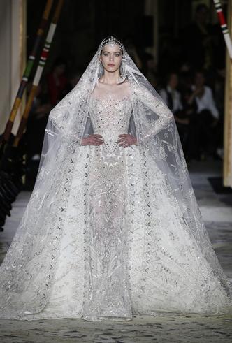 Фото №26 - 35 идей свадебных платьев с подиумов Недели высокой моды в Париже