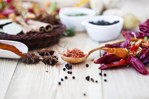 Фото №5 - 5 продуктов, ускоряющих старение кожи