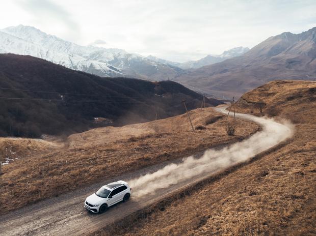Фото №10 - Volkswagen объявляет о начале продаж нового кроссовера Tiguan
