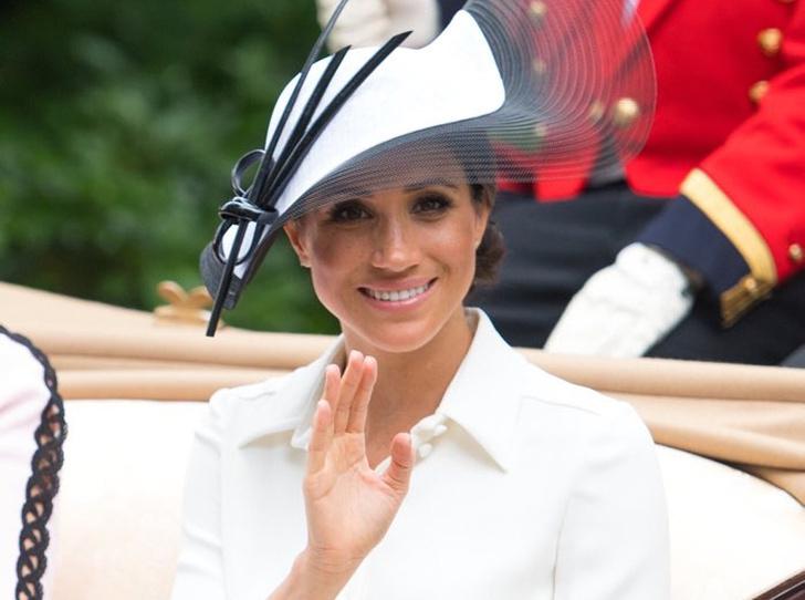 Фото №1 - Меган Маркл на Royal Ascot: что нужно знать о самых красивых королевских скачках года