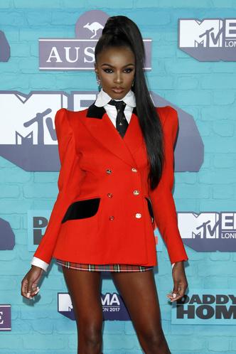 Фото №24 - Премия MTV EMA: лучшие звездные образы за всю историю