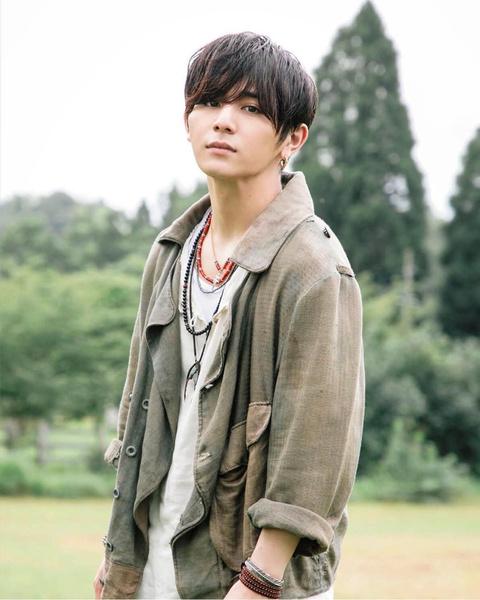 Фото №2 - Выбор нетизенов: топ-100 самых красивых азиатских мужчин. Часть 1