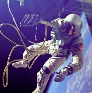 Фото №1 - Американские астронавты летали в космос пьяными